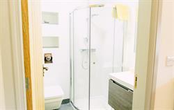 En suite bathroom (one of four)