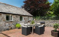 Enclosed courtyard with BBQ