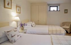 Pretty, spacious twin bedroom