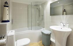 Bedroom 2 en suite rain shower/bath