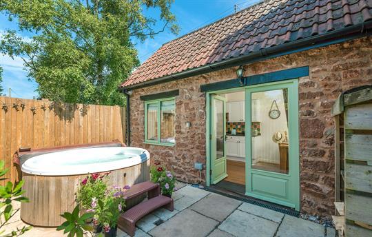 Hot Tub at Cornflower Cottage