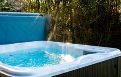 Hot Tub Jacuzzi Spa
