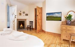 Barley Mill king bedroom