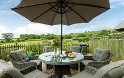 Wonderful views & alfresco dining