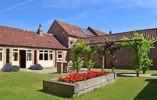 Foldyard cottage garden