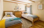 Trebowan twin bedroom