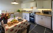 Cook something tasty in the kitchen in Henver