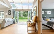 Bright airy single storey cottage