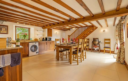 Haybarn kitchen/dining room, underfloor heating