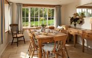 Secret Garden dining room