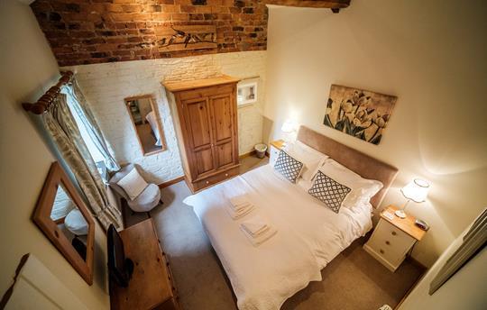 Wren King Bedroom