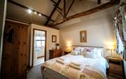 King-size bedroom with en suite