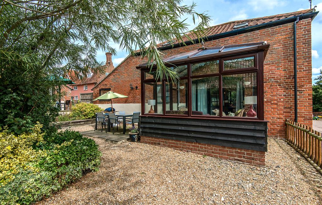 Conservatory and courtyard terrace