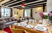 Frys Barn Lounge/Diner