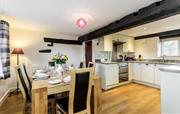 Granary Cottage Sleeps 6 Dogs welcome