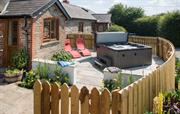 The Barn cottage with private hot tub