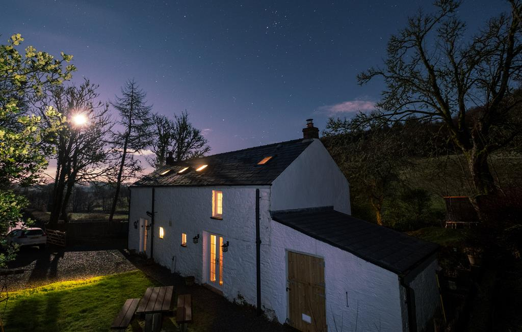 Tyn Y Coed at night