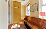 Sunny and bright entrance hall