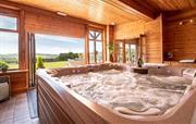 Trevase Granary Games Room Hot Tub