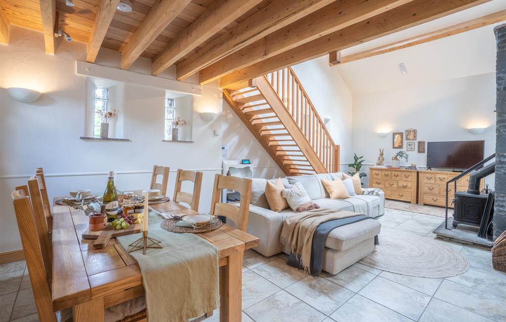 The Byre open plan dining area