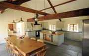 Stable kitchen