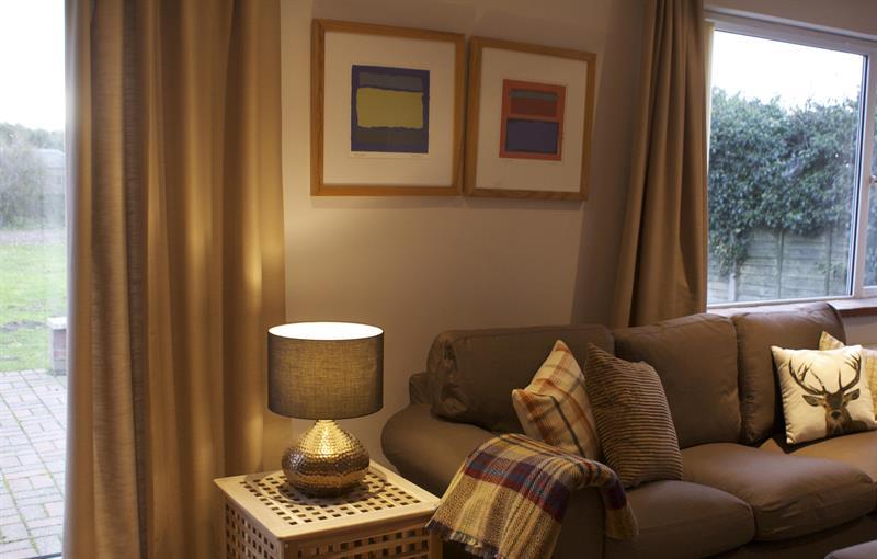 Living room in End cottage Cranmer