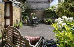 Sleeplate Cottage Patio Garden