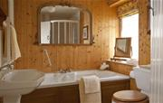 Honeymoon Cottage luxury bathroom.