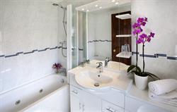 Threshers bathroom