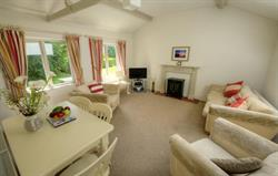 Woodpecker Cottage - lounge