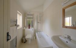 Sandpiper Cottage - bathoom