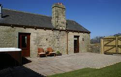 Oak Cottage garden & hot tub