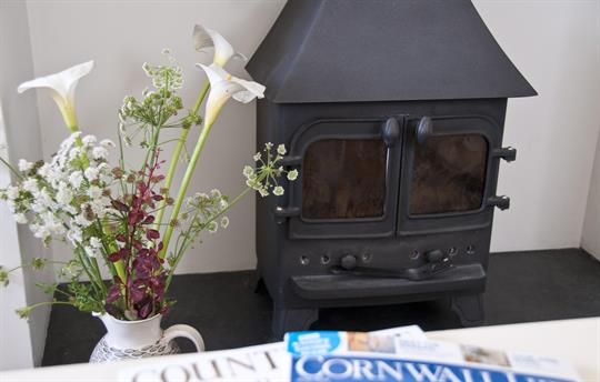 Swallow Cottage - woodburner