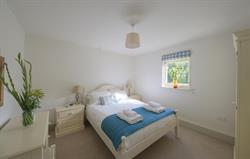 Cormorant Cottage - double bedroom