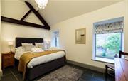 Fyfishers Cottage - Bedroom