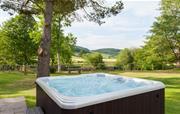 Cilan Farmhouse - Private hot tub