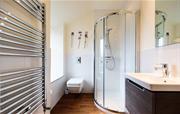 Cilan Farmhouse - En Suite Bathroom