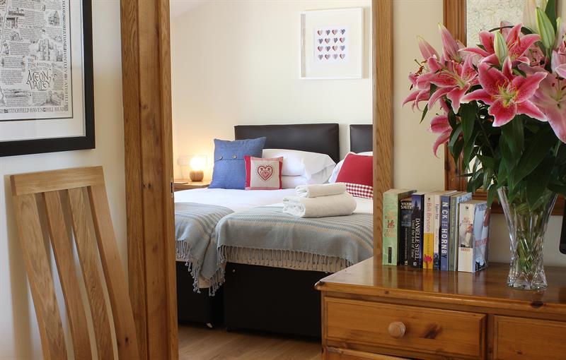 Hedgehunter - blue bedroom