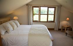 Cowbyre King-size bedroom