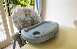 Free baby equipment: high chair