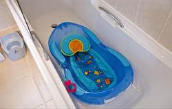 Free baby equipment: baby bath