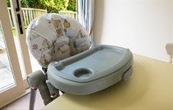 Free baby equipment: high chair