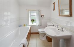 Grove Farm bathroom