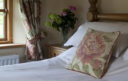 Stables Cottage king bedroom