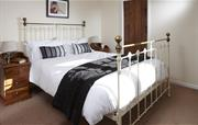 Cider Barn Bedroom with en suite