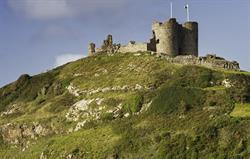 CRICCIETH Castle & Beach