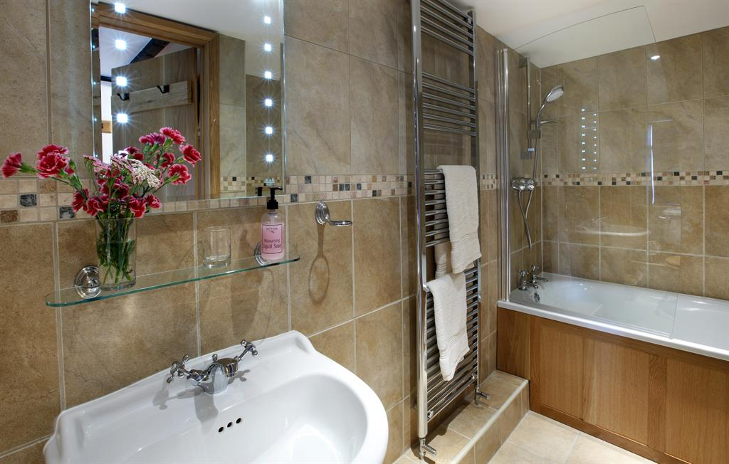 Half Pint - Bathroom