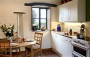 Yr Ydlan kitchen