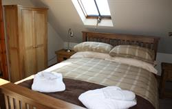 Dysynni double bedroom