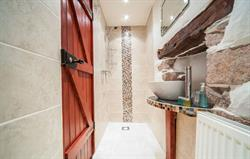 Newly renovated ensuite wetroom